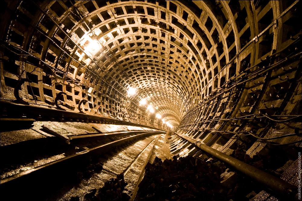 Строительство метро, Киев / Будівництво метро, Київ